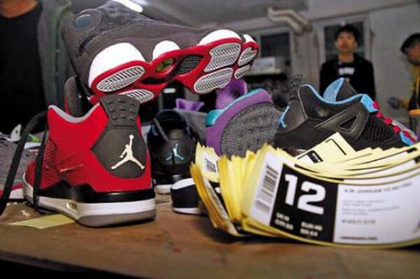 Làm thế nào để cha mẹ chọn giày dép trẻ em phù hợp?
