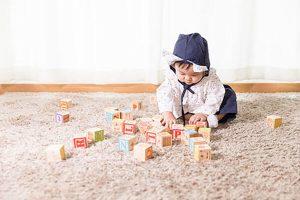 Trẻ em mấy tháng biết ngồi? Những lưu ý bổ ích