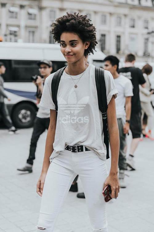 Áo phông + quần jean