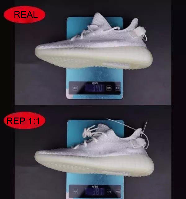 So sánh cân nặng của 1 chiếc giày