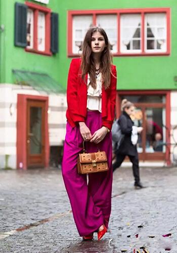 Phối quần ống rộng với áo rộng