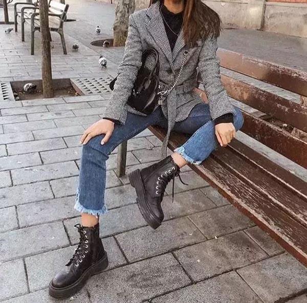 Quần jean bó + bốt ngắn
