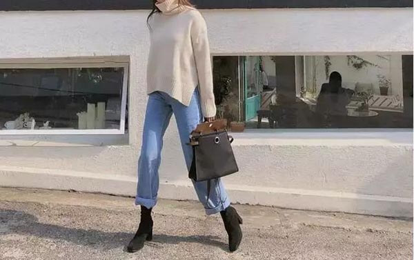 Quần jean thẳng + bốt ngắn