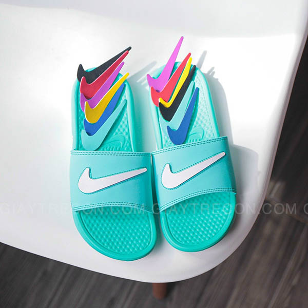 Dép Nike Benassi đổi Swoosh màu xanh